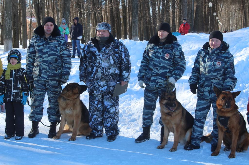 <center>Праздничная программа &#8220;Твои защитники, Россия!&#8221;<center>